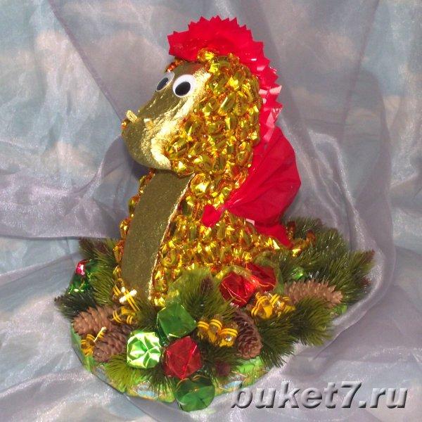 Новогоднее украшение своими руками из бисера