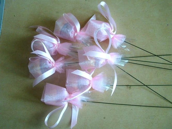 Игрушки из конфет пошагово