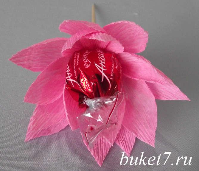 МК цветок из конфет