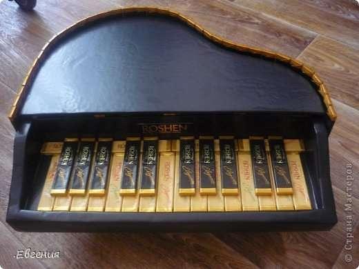 Рояль из конфет мк6
