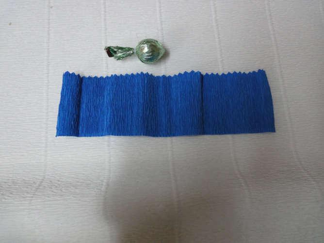 Мастер-класс васильки из конфет. Часть 1